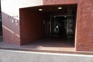 ハイマート若松(新宿区)のエントランス