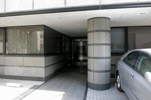 新宿スクエアビルのエントランス