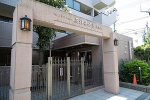 セレナハイム石神井公園弐番館のエントランス