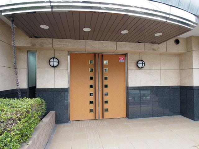 ライオンズマンション西高島平溝下公園壱番館のエントランス