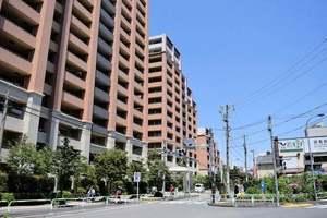東京メガシティの外観