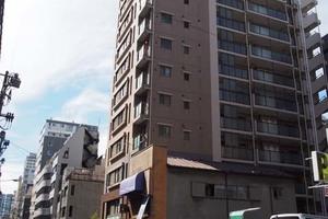 プラハ東京八丁堀の外観