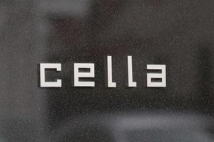 Cellaの看板