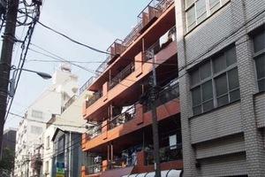 上野ダイカンプラザの外観