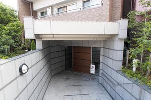 リビオ文京本駒込レジデンスのエントランス