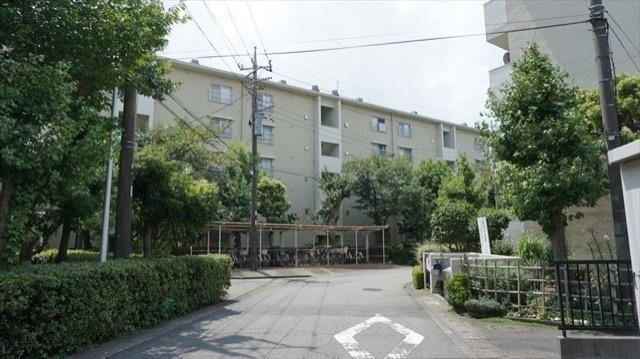 中野島住宅(1〜5号棟)の外観