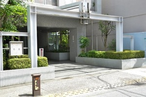 マートルコート平井のエントランス