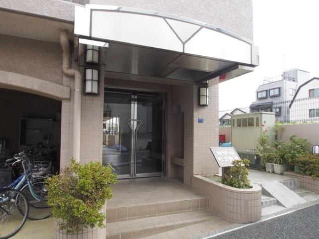セザール第2赤塚公園のエントランス