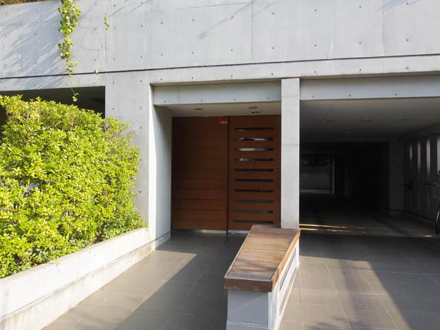 本駒込ハウス(文京区本駒込5丁目)のエントランス