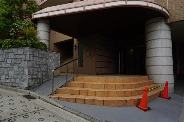 グランシティ横浜保土ヶ谷のエントランス