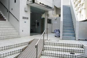 ライオンズマンション北新宿のエントランス