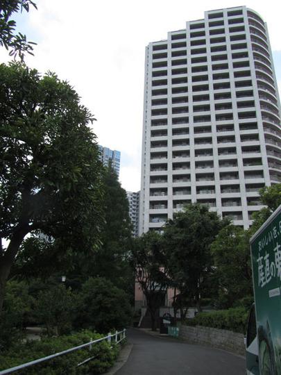 西戸山タワーホウムズノースタワーの外観
