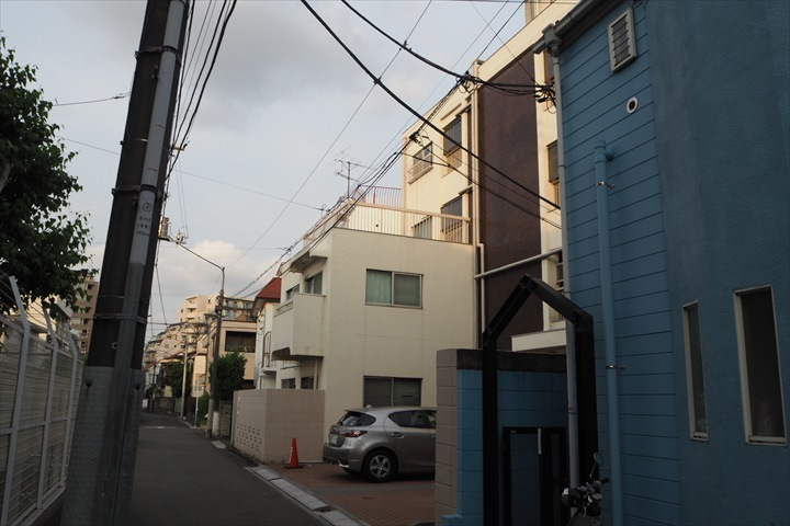 中野江原町マンションの外観