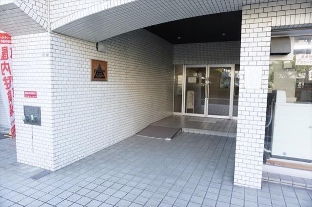 ポートハイム第3吉野町のエントランス