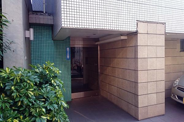 プラーティノ多摩川鵜の木弐番館のエントランス