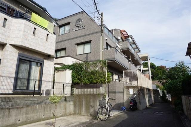 ワコーレ新川崎の外観