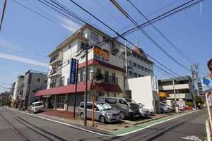 三松第1マンションの外観