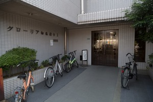 グローリア初穂桜台2のエントランス