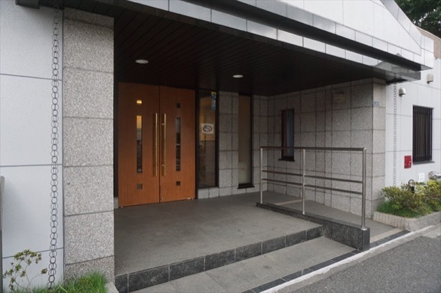 グランイーグル藤崎のエントランス