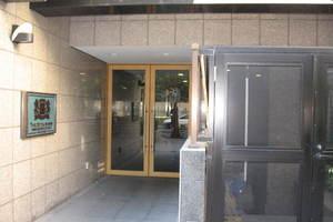 ライオンズマンション東大赤門前のエントランス