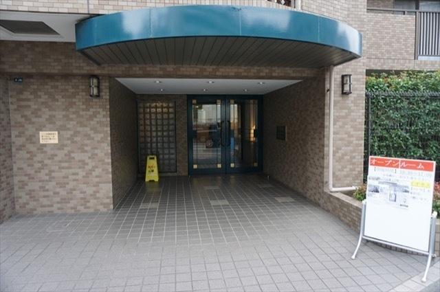 日吉南パークホームズ2番館のエントランス