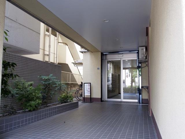 ニューハイム江古田のエントランス