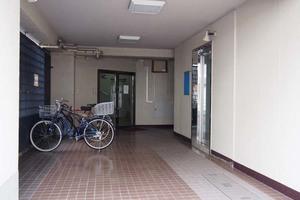 駒込マンション(北区)のエントランス
