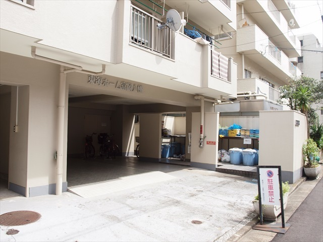 東海ホーム富岡八幡のエントランス