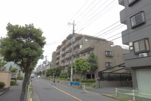 コスモお花茶屋2番館の外観