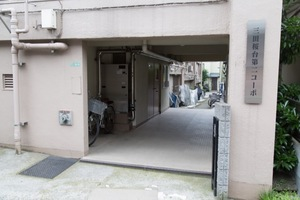 三田桜台第2コーポのエントランス