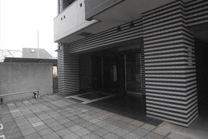 ラグジュアリーアパートメント中野坂上のエントランス