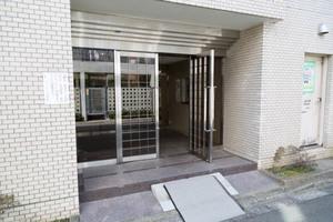 藤和シティコープ桜新町のエントランス