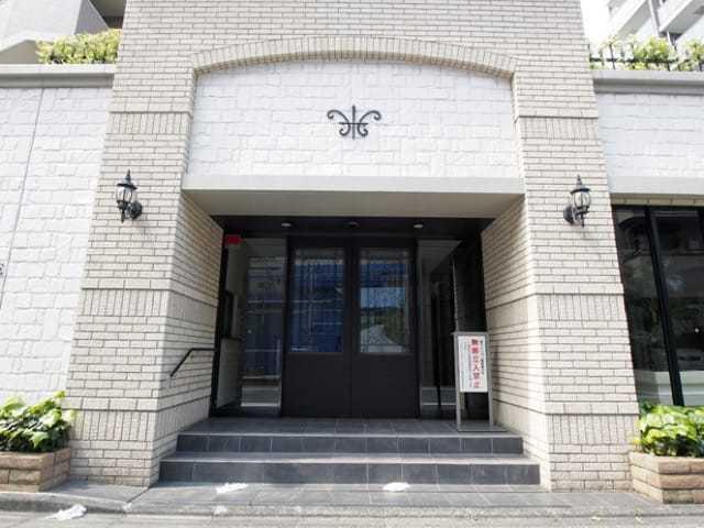 グローベルザスクエア南長崎のエントランス
