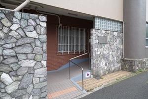 パシフィック江古田マンションのエントランス