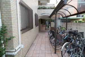 東高円寺グリーンパークのエントランス