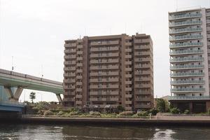コスモ東京キャナルプレイスの外観