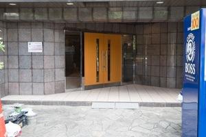 ステージグランデ新高円寺のエントランス