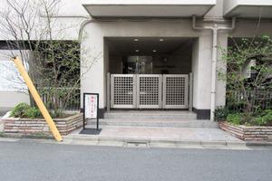 松濤ハイツ(渋谷区)のエントランス