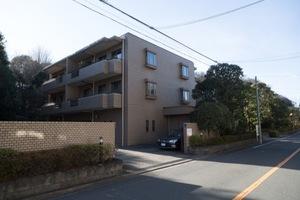 岡本パークハウスの外観