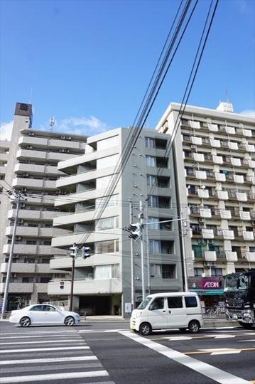 グリフィン横浜ウエスタの外観