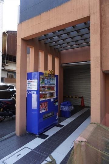 レグラス横浜吉野町サウスのエントランス