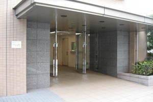 クレッセント西蒲田のエントランス