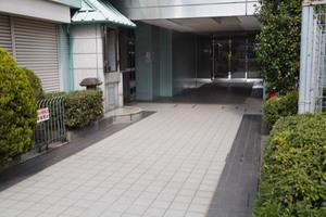 ステーションプラザ代田橋のエントランス