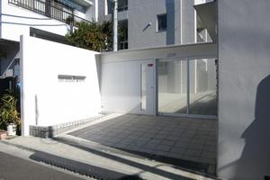 オープンレジデンス幡ヶ谷テラスのエントランス