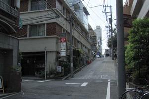 西新宿カーネルの外観