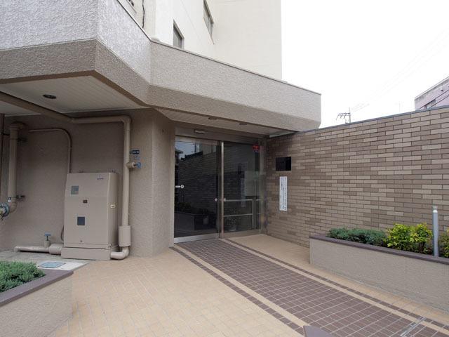 高島平サンパワーのエントランス