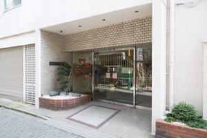 高円寺サマリヤマンションのエントランス