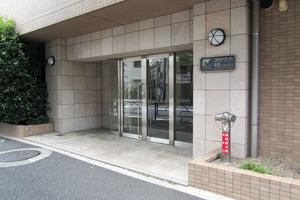 スカイコート新宿落合南長崎駅前のエントランス