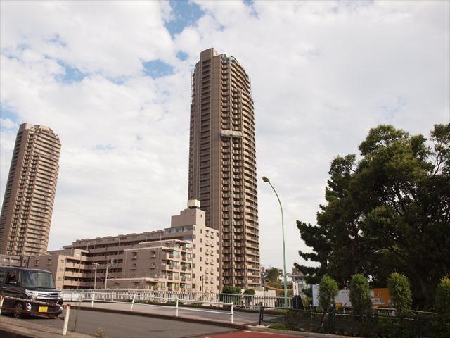ザガーデンタワーズサンライズタワーの外観
