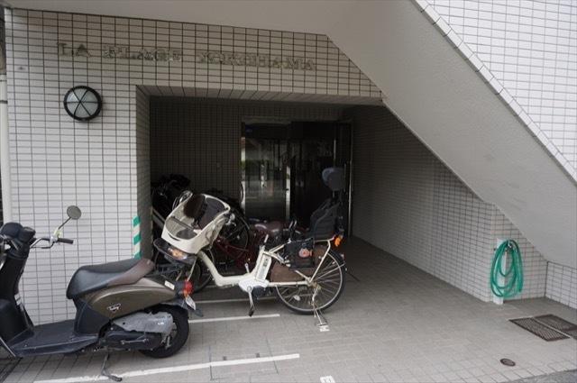 ラプラージュ横浜のエントランス
